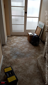 Hall bbefore Home Staging